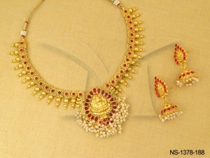 Temple Jewellery , Paan Bordered Paan Based Temple Necklace Set | Manek Ratna