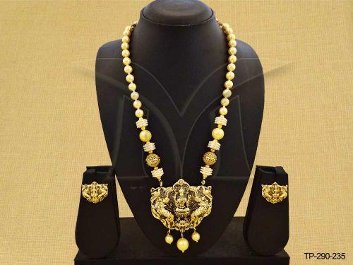 temple-jewellery-godess-laxmi-ji-designed-temple-pendant-set-manek-ratna-1462021703g8n4k